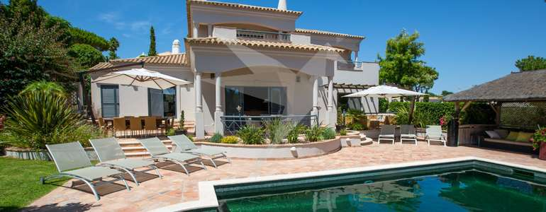Villa Luca - Spacious & Private Back Terrace