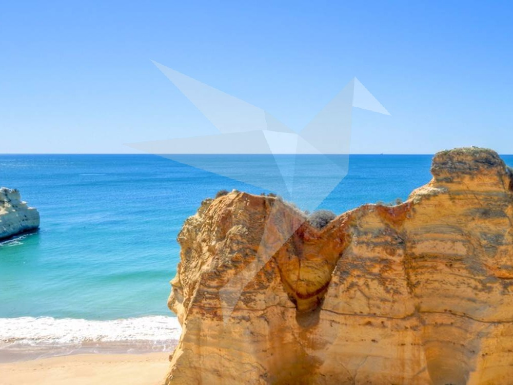 6 Reasons Why You Should Never Book a Holiday in the Algarve.