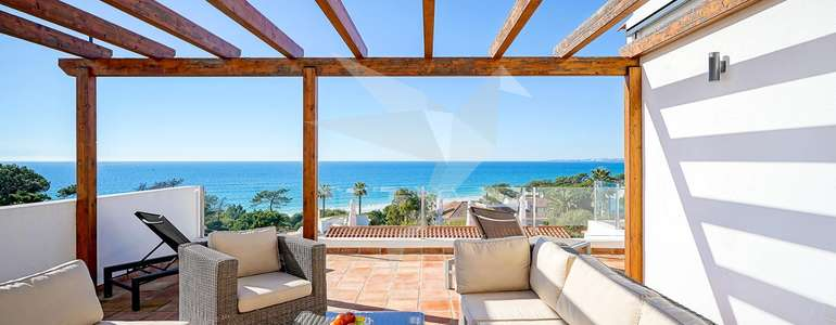 Villa Vista - Outside dining area with incredible sea views