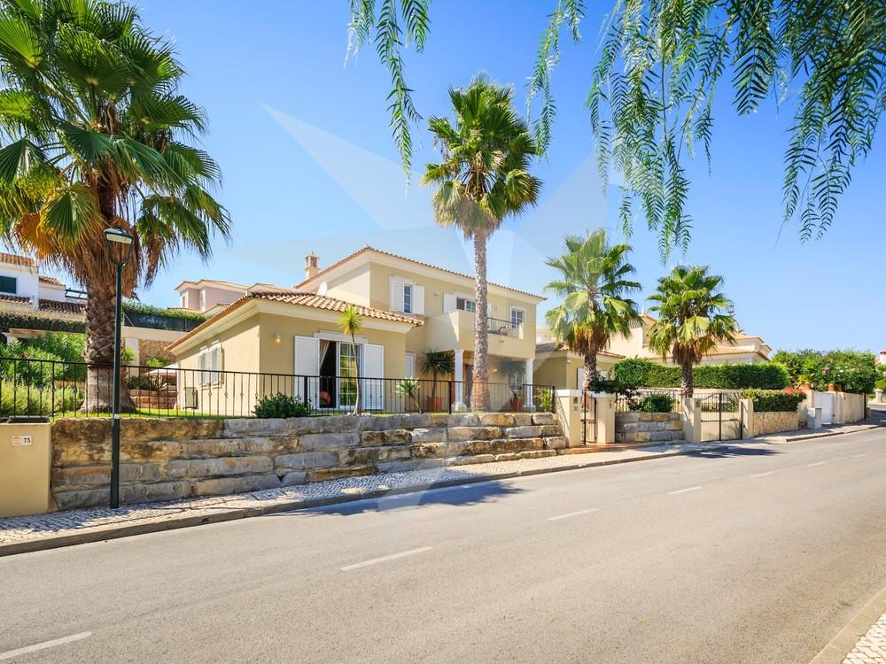 Villa Amendoeira